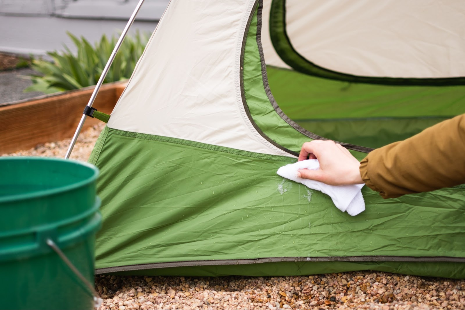 How To Fold A Tent
