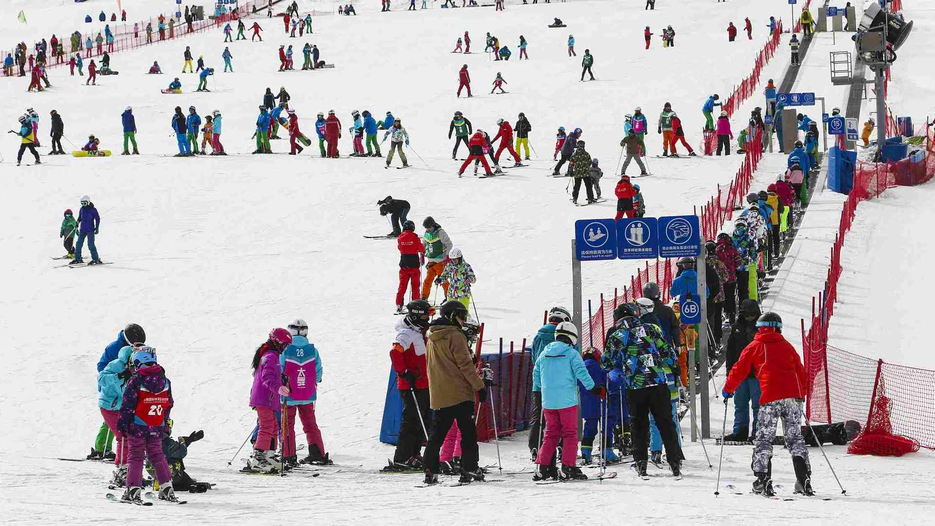 The Million Dollar Question: Skiing Or Snowboarding?